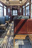 Alte Straßenbahn von innen