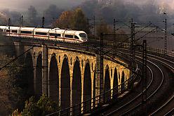 Altenbeken Viadukt mit ICE
