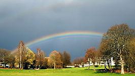 Helios unter dem Regenbogen