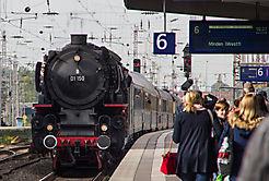 Rheingoldzug mit 01 150